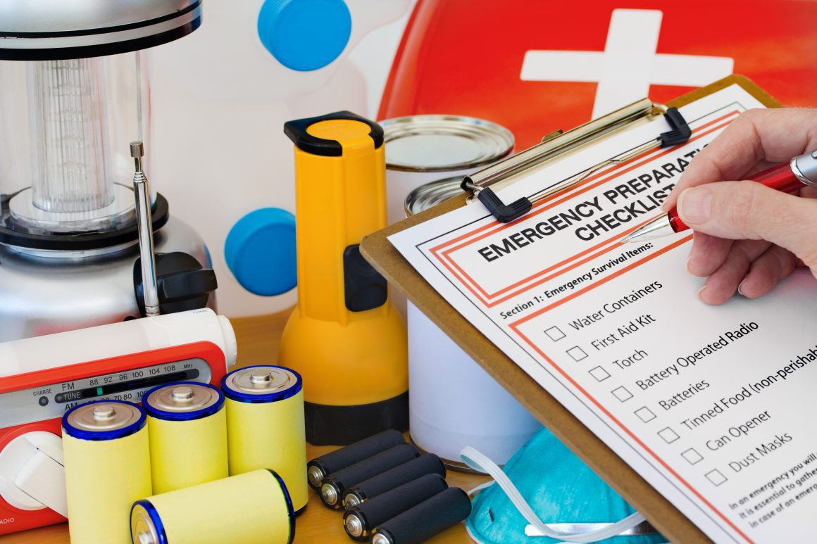 6 Essential Items for your Summer Emergency Kit