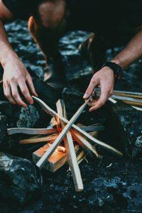 build a safe campfire